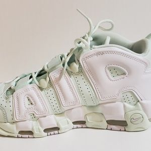"W Nike Air More UpTempo ""Mint"" Sneakers"